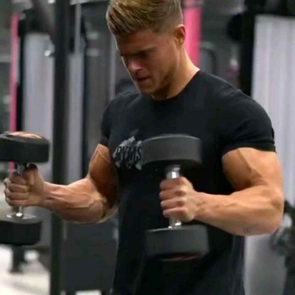 Treino de Braço – Bíceps e Tríceps