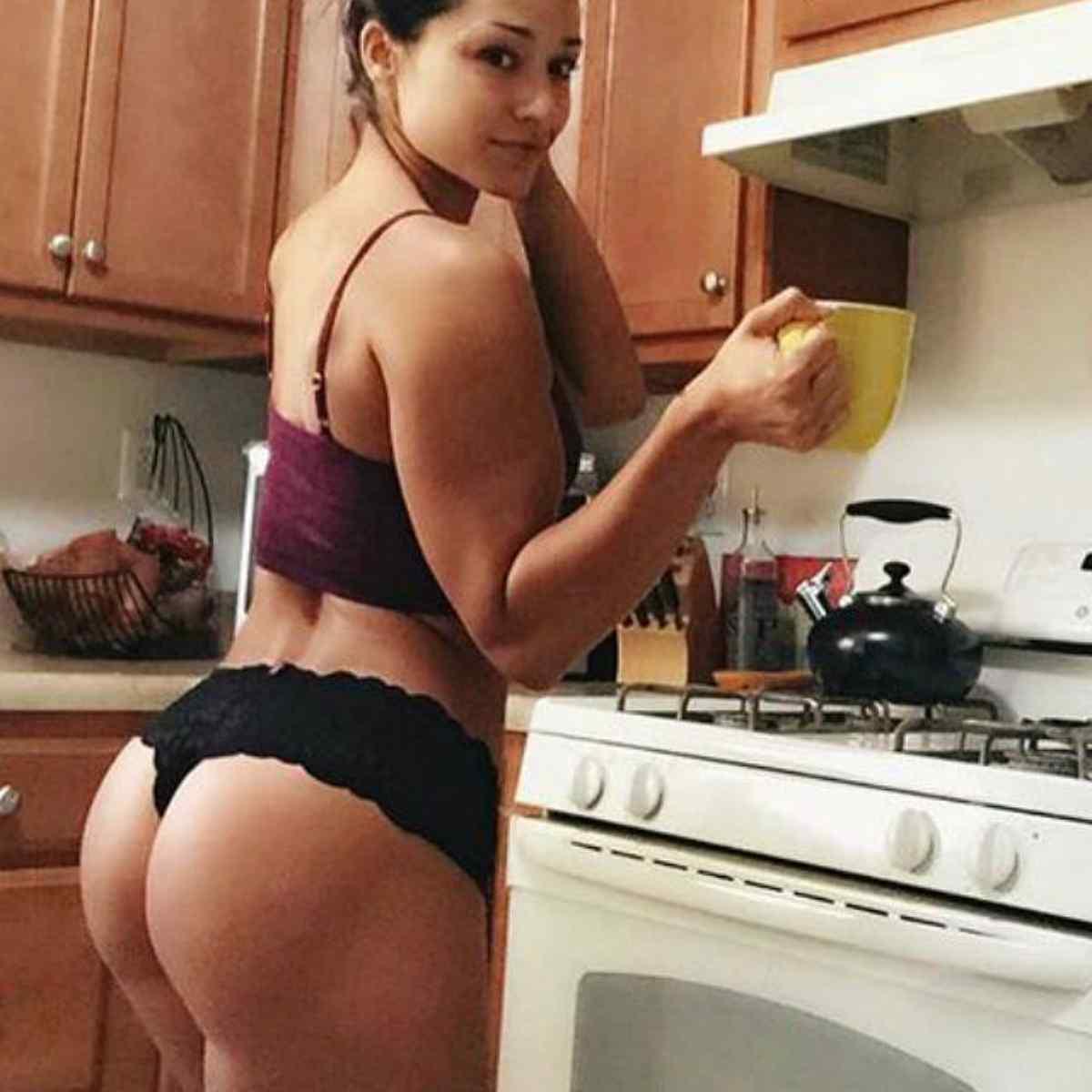 Quais alimentos ajudam a engrossar as pernas?